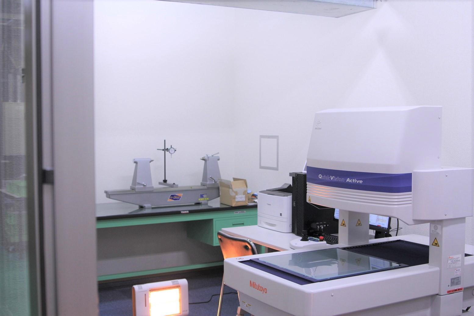 2019年、工場内にシャフトに特化した測定室を設立いたしました。